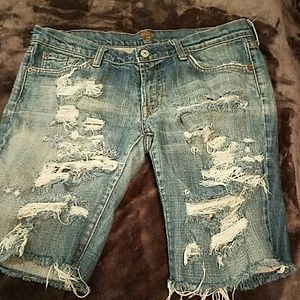 7 FOR ALL MANKIND DISTRESSED SHORTS